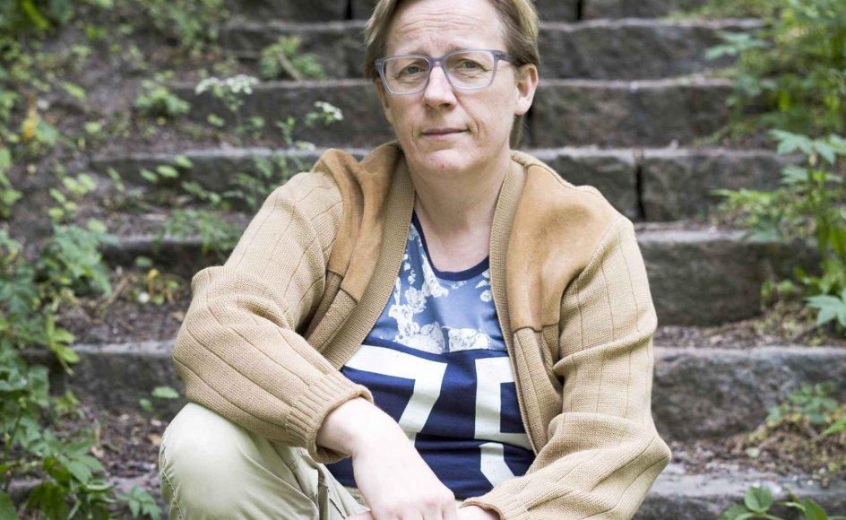 """""""Jeg vidste godt, at jeg var dødelig, men sygdommen udfordrede mig mentalt på en måde, så jeg var ved at blive eksistentielt rundtosset,"""" siger Lotte Seheim."""