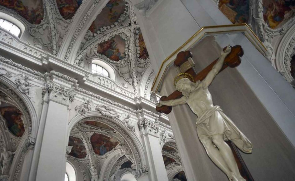 Interior of Kremsmünster abbey church with cruzifix 18.09.2015