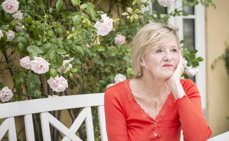 """""""Jeg er grundlæggende en optimist af natur, så glæden fylder mere end bekymringen over at blive ældre. Jeg føler ikke, at det lukker ned, sander til, og at mulighederne bliver begrænsede,"""" siger Elisabeth Møller Jensen, der fylder 70 år den 31. december i år. –"""