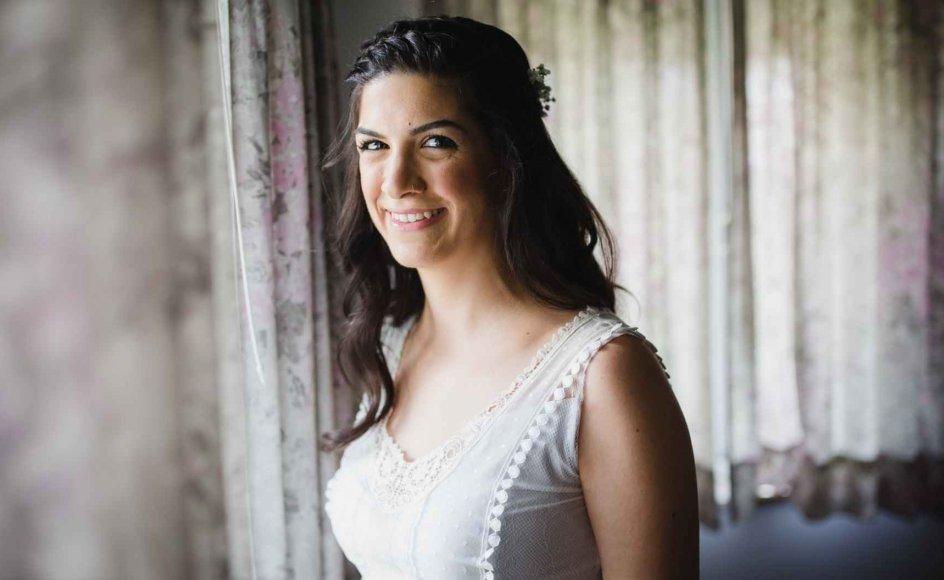 """29-årige Yael måtte gennemføre et brudekursus, og kæresten, Kobi, skulle som migrant bevise, at han var en """"rigtig"""" jøde, før de ifølge de jødiske religiøse love kunne gifte sig den 6. juli 2016. Se flere billeder ved at trykke på pilene"""