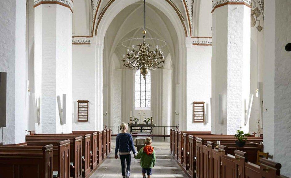 """""""Hele pointen med brugen af begrebet """"klassisk"""" om kristendom drejer sig ikke om manglende syn for, at kristendommen har haft og stadig har en mangfoldighed af udtryk. Det drejer sig helt enkelt om et meget større vandskel,"""" skriver Henrik Højlund."""