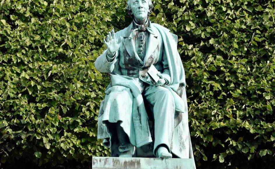 Denne statue af H.C. Andersen, udført af August Saabye, står i Kongens Have i København. Troen på det evige liv og sjælens udødelighed var det centrale i H.C. Andersens tro.