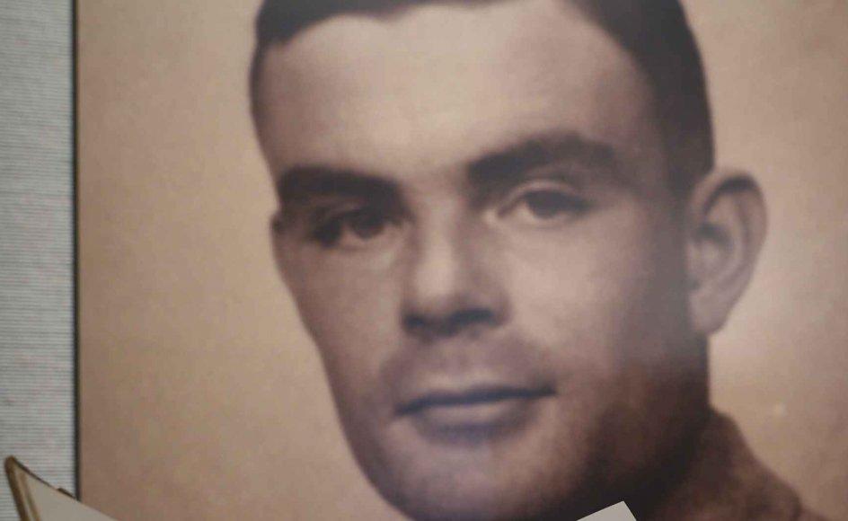 John Sharkey fra De Liberale Demokrater har længe ført kampagne for en generel benådning. Det store gennembrud kom, efter at dronning Elizabeth II i 2013 udstedte en posthum benådning til videnskabsmanden Alan Turing (på billedet). Han begik selvmord i 1954, to år efter at efter være dømt til en medicinsk kastration for et forhold til en anden mand.