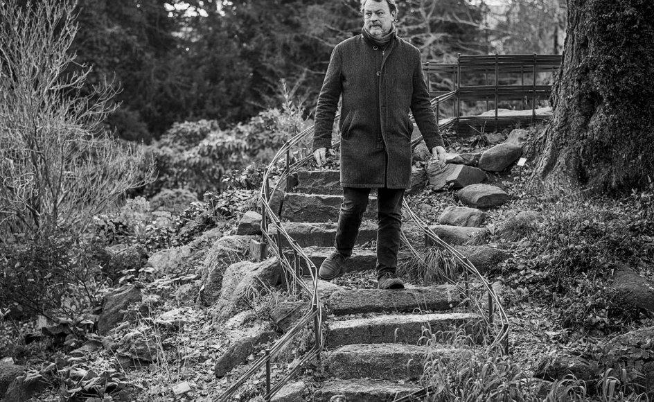 """""""Det er karakteristisk, at når man går til begravelser, som jeg har været til nogle gange i år, er der en form for tryghed i det. Der er et lys, der kommer ind, og det er et lys, der gør, at man får en utrolig glæde ved at leve,"""" siger komponisten Bent Sørensen. –"""