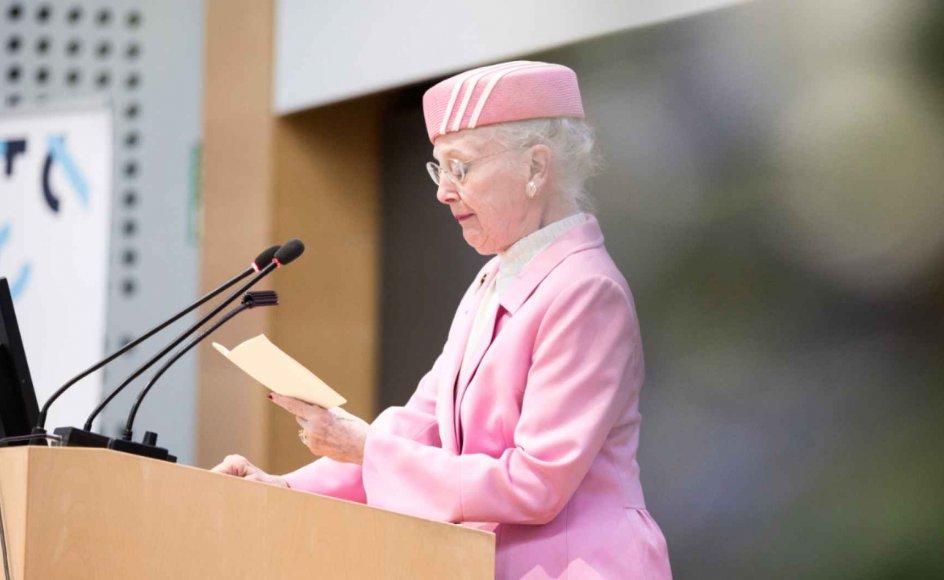 Alle stolepladser var fyldt i auditoriet på Aarhus Universitet, da dronning Margrethe lørdag morgen bød velkommen til en weekend med folkeoplysning og debat, der kredsede omkring Reformationen og det danske samfund.