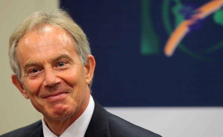 Det kan vel tænkes, at Tony Blair, da han i 2003 overvejede, hvad Storbritannien skulle gøre, tænkte ad de samme baner som Henry Perowne. Interventionen gik godt i Kosovo, men galt i Irak. Spørgsmålet er så, om Tony Blair til trods for sit fejlskøn er værd at lytte til, når han udtaler sig om Storbritanniens skilsmisse fra EU.