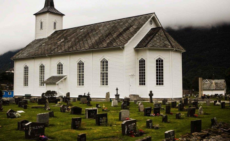 I et samlende dokument for den norske folkekirkes markering af 500-årsjubilæet har man ifølge kritikere antydet, at folk først fik direkte adgang til nåden, da det norske sprog kom ind i kirken efter Reformationen.