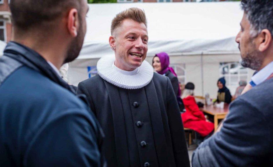 Præst i Stefanskirken, Thomas Høg Nørager, var vært til aftenens ramadanmiddag, hvor kristne og muslimer mødtes i anledning af ramadanen. Der var taler, sang i kirken og bøn ved en imam ved fastens brydelse klokken 21.56 hvorefter, der var fællesspisning