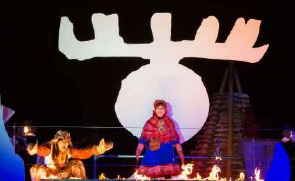 I dag er det populært at stå ved sin samiske identitet. Her markeres den samiske fortid til åbningen af Umeå som europæisk kulturhovedstad i 2014. – Pressefoto: