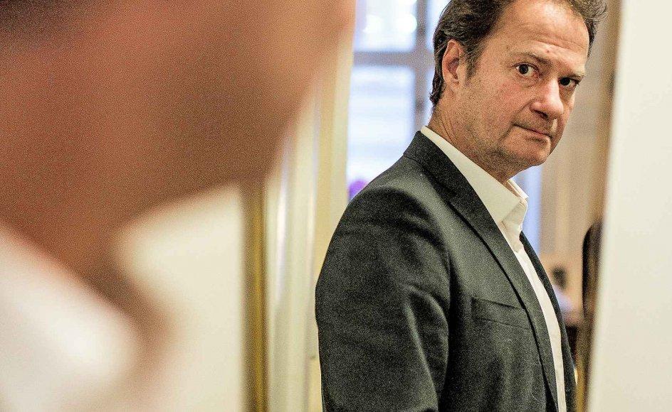 """Knud Romer blev kendt som kulturanmelder i tv-magasinet """"Smagsdommerne"""". —"""