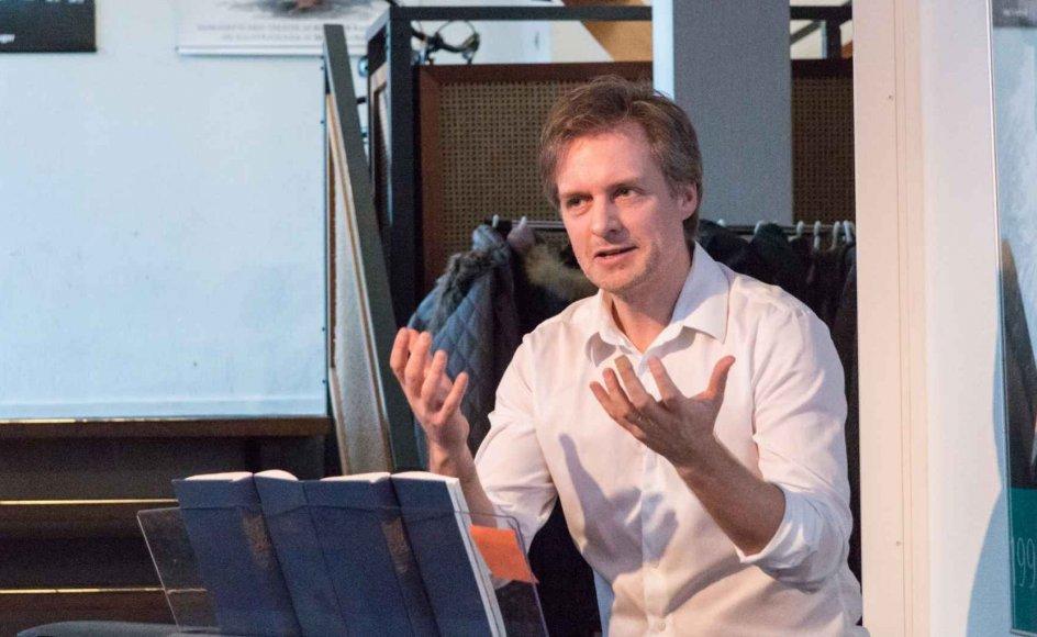 Lasse Skovgaard holder foredrag om fællessangs positive effekter på psyke og krop. Den 15. til 17. maj i år skal han deltage i et seminar sammen med komponister og forfattere for at igangsætte arbejdet med at skrive nye højskolesange - på melodier, der egner sig til fællessang.