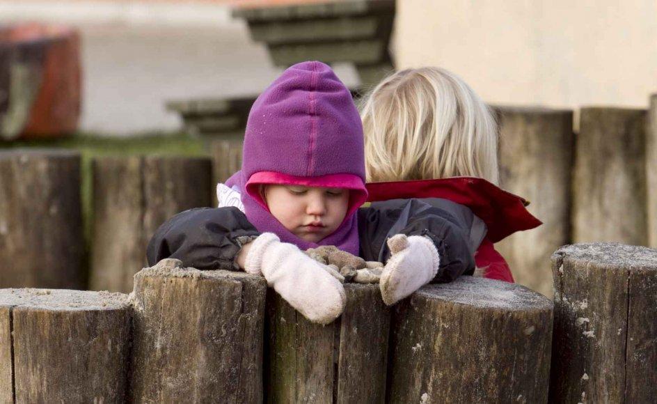 I mit fag er det absolut værste at skulle observere babyer, som helt uden for diskussion primært har brug for voksne, men har opgivet at få den kontakt, skriver Lone Hygum. Colurbox.