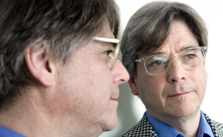 I dag er hjerneforsker Peter Lund Madsen helt fortrolig med sit spejlbillede. Men som ung kunne han godt komme i tvivl om, hvem det var, der stirrede tilbage.