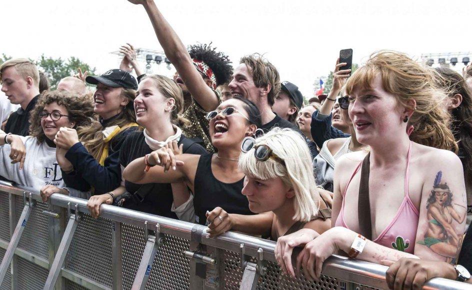 Sommerens festivaler står ikke kun på store koncertoplevelser, men også på mindst lige så store dilemmaer for dem, der har det svært. Derfor giver studerende Anna Arendse Thorsen her fem råd til, hvordan man klarer festivalen som psykisk sårbar.
