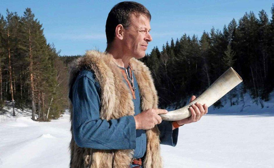 Morten Kristensen Wium er høvding i vikingegruppen Lindholm Høje i Nordjylland. Det er en titel, han har fået, som enhver anden formand i en forening, fortæller han. Vikinge-gruppen er tilkoblet Lindholm Høje Museet, hvor Nordeuropas største vikingegrav finder sted. –Privatfoto.