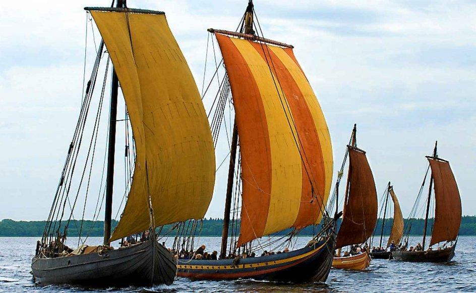 Rekonstruktioner af de fem Skuldelevskibe, som er udstillet på Vikingeskibsmuseet i Roskilde. Skibene blev sænket i fjorden ad to omgange inden for perioden 1060-1080 som spærring af sejlrenden mod Roskilde. –