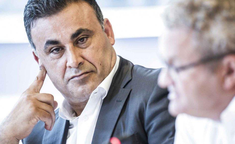 Naser Khader og De Konservative ønsker, at alle udlændinge, der søger statsborgerskab i Danmark, skal interviewes af regionale komitéer om deres holdninger til demokrati, ligestilling, religion og andet.