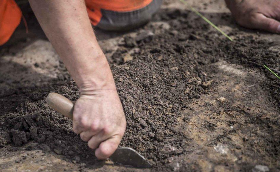 Efter udgravninger, der har varet mere end 14 måneder, har forskere blandt andet fundet tre amuletter med kristne symboler, der kan dateres tilbage til 800-tallet.