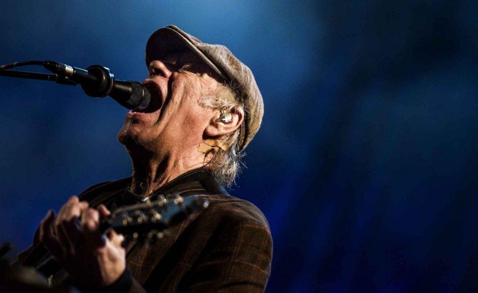 Søndag morgen sov Kim larsen stille ind. Men hans sange, der udover at underholde også bar et eksistentielt og religiøst budskab med sig, lever videre. Her er han fotograferet under en koncert på Skanderborg Festival i 2015.