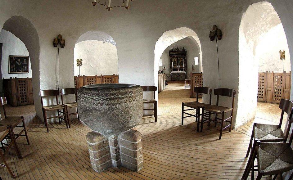 Dåb i folkekirken er kommet til debat efter en kronik i Kristeligt Dagblad den 9. januar af lektor Lars Sandbeck. –