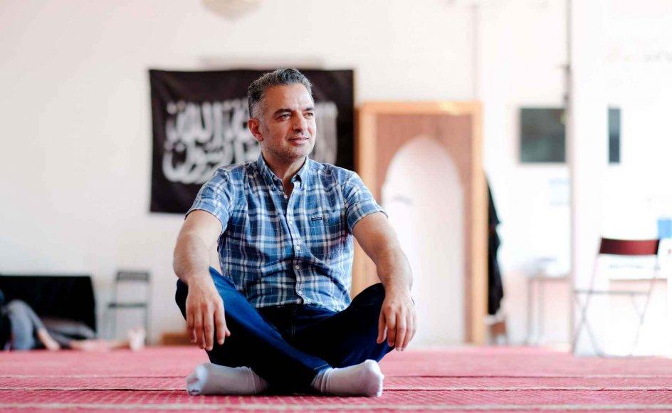 """""""Hizb ut-Tahrir er et politisk parti, og stater, samfund, foreninger og partier kan ligesom mennesker i deres natur blive udsat for sygdom og få problemer med helbredet,"""" siger imam Monzer Abdullah."""