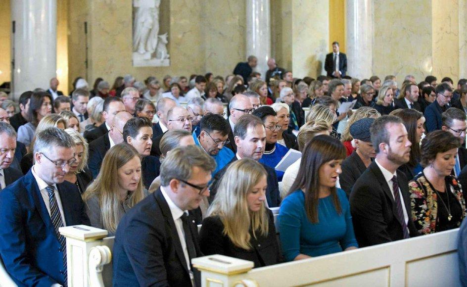 Den årlige åbningsgudstjeneste, der knytter sig til folketingsårets begyndelse i oktober, er et klart eksempel på sammenknytningen af stat og kirke i Danmark.