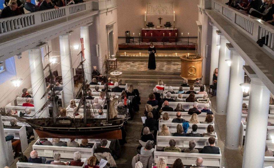 Dykker man ned i kurverne fra Danmarks Statistik, er der mange tendenser, der går overraskende godt for kirken. Faktisk ligger den i disse år pænt på seks vigtige parametre.