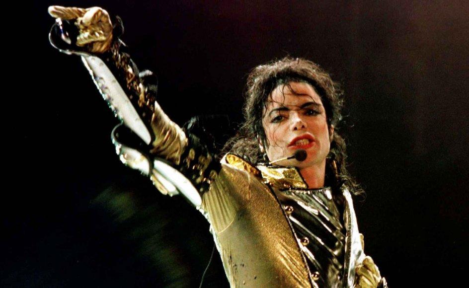 Jeg savner virkelig en vinkel i debatten om Michael Jackson, hvor man diskuterer, om det er okay at beskylde døde mennesker for noget, skriver retsordfører i Konservativ Ungdom.