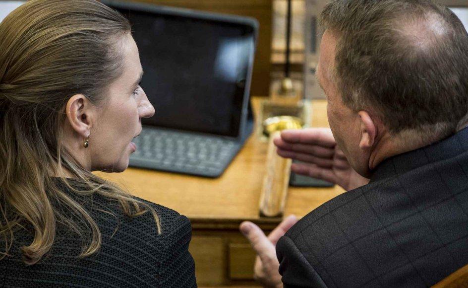Det ventes, at S-formand Mette Frederiksen (til venstre) og statsminister Lars Løkke Rasmussen (V) (til højre) tager en hed diskussion om pension en del gange i den kommende valgkamp. (Arkivfoto)