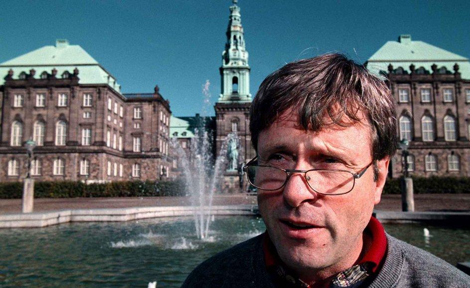 Tim Knudsen foran Christiansborg