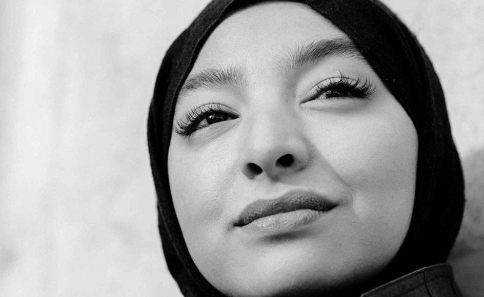 """""""Jeg ville ønske, jeg ikke behøvede fokusere al min energi på at finde ud af, hvem der ikke vil deportere mig eller frarøve mig min religiøse frihed,"""" skriver lægestuderende Zainab Nasrati."""