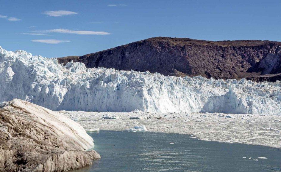 Nogle advarer om en global havstigning på mindst syv meter, hvis vi ikke gør noget. Hertil er bare ifølge tidligere statsgeolog Jens Morten Hansen at sige, at Grønlands indlandsis ikke smeltede væk under forrige mellemistid, hvor temperaturen gennem flere tusinde år var flere grader højere, end FN's klimapanel, IPCC, hævder, vi nu er på vej imod. – Annette Fuglsang/Ritzau Scanpix.