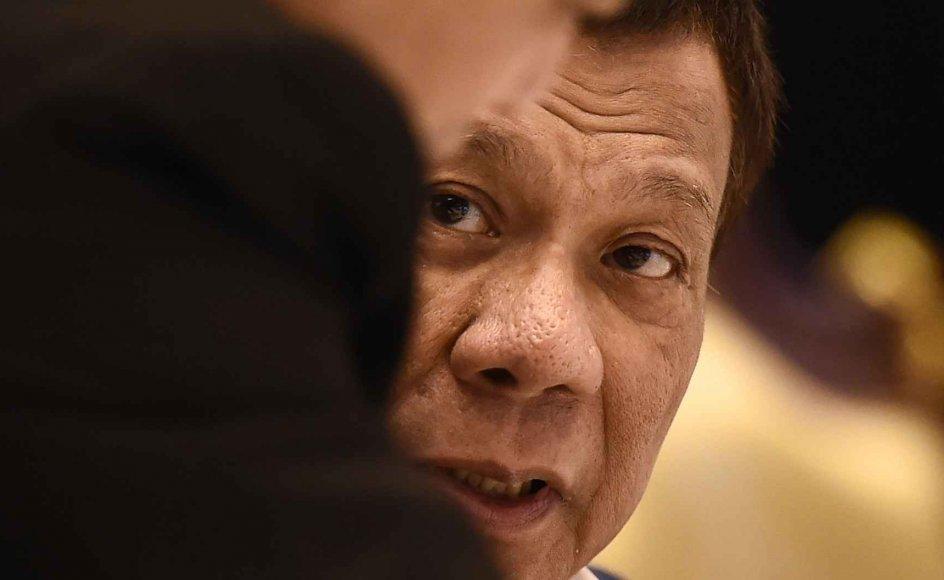 En undersøgelse af narkokrigen i Filippinerne i FN's Menneskerettighedsråd har mødt kritik fra landets præsident, Rodrigo Duterte.