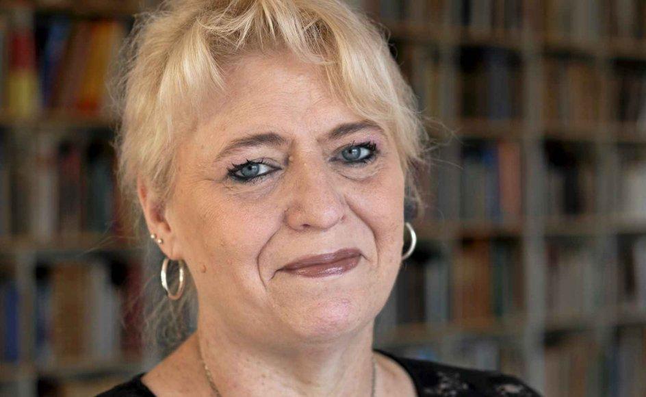 Danmark har mistet en af sine stille helte i forhold til at udbrede Danmarks kulturarv til folket. Cand.mag. i folkemindevidenskab Charlotte S.H. Jensen døde af hjertestop som 57-årig og blev i går bisat. –