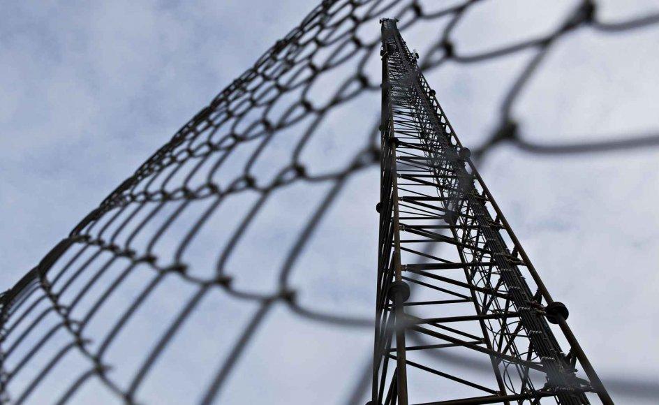 En it-fejl i Rigspolitiets program, der håndterer og konverterer teleoplysninger fra teleselskaber, er skyld i, at mere end 10.000 sager om alvorlig kriminalitet nu skal gennemgås.