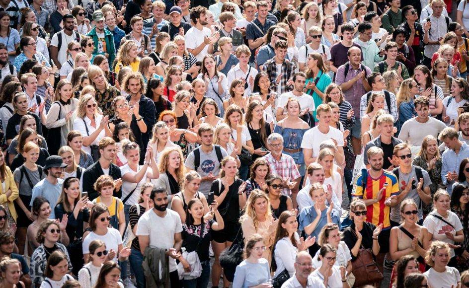 Nye studerende på Københavns Universitet var fredag samlet på Frue Plads i København, hvor rektor Henrik C. Wegener holdt tale før immatrikulation på Københavns Universitet.