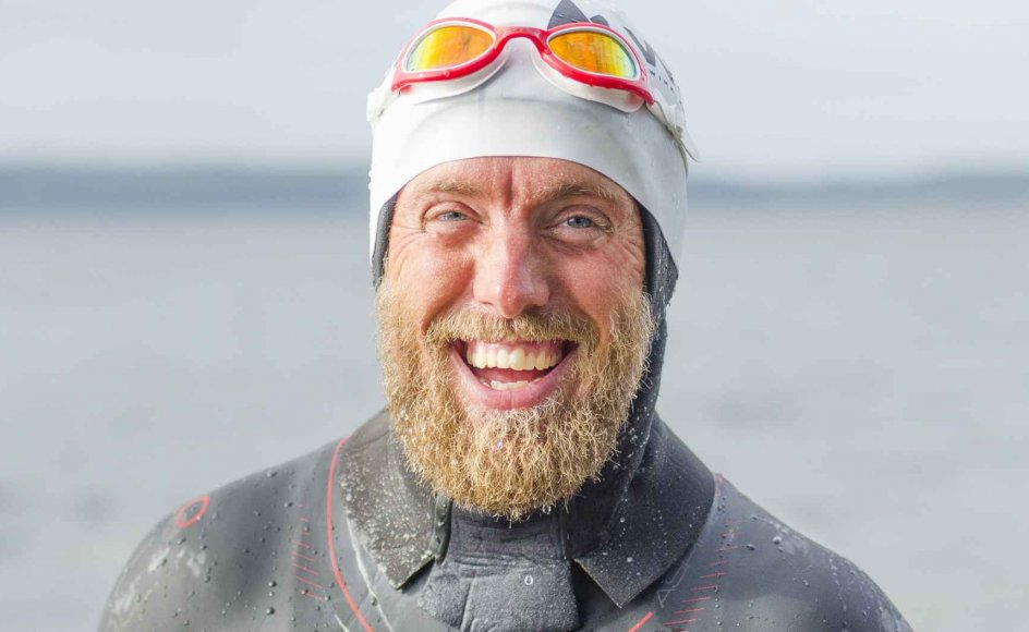 Lars Simonsen har også tidligere været på ekstreme ture, det var dog i kajak med sin familie. Men med svømmeturen rundt om Danmark er det første gang, han svømmer i en så ekstrem grad.