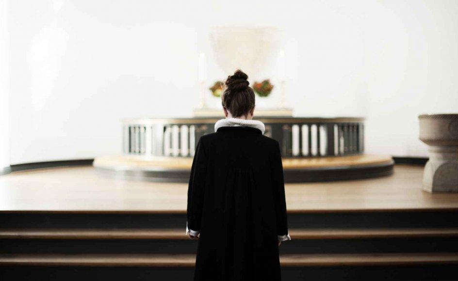"""""""Da man i 1970'erne indtog nej-holdningen til kvindelige præster, var samfundet et andet, men siden er der løbet meget vand igennem den teologiske å. Der er blevet forsket, skrevet og udviklet, og det er blevet mere tydeligt, at man med en tillid til Bibelen kan nå frem til flere forskellige resultater og holdninger til emnet,"""" siger Jørgen Jørgensen, formand for Menighedsfakultetets bestyrelse og sognepræst ved Sct. Nicolai Kirke i Aabenraa. –"""