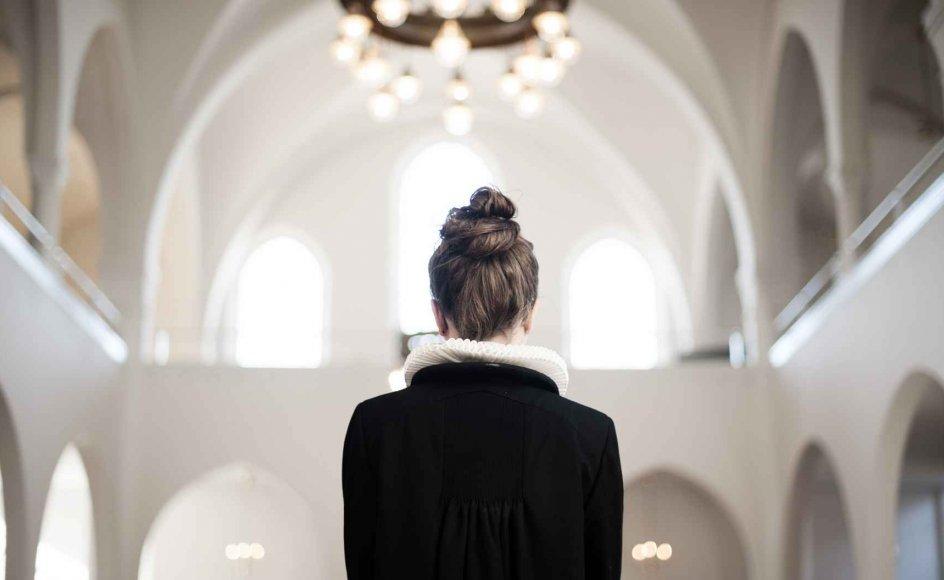"""""""Vi anerkender, at både et ja og et nej til ordningen med kvindelige præster kan være foreneligt med ønsket om respekt for Bibelens autoritet i dette spørgsmål,"""" lyder det blandt andet i dokument fra Menighedsfakultetet. Modelfoto."""