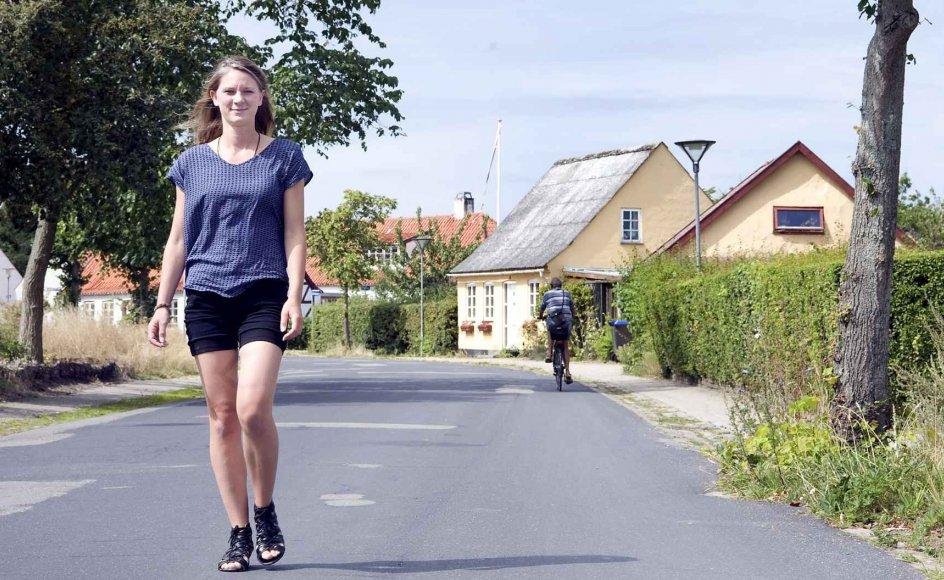 Lærerstuderende Amanda Andersen, 28 år, trives i hjembyen Nykøbing Sjælland. Her er hun tæt på natur og familie. –