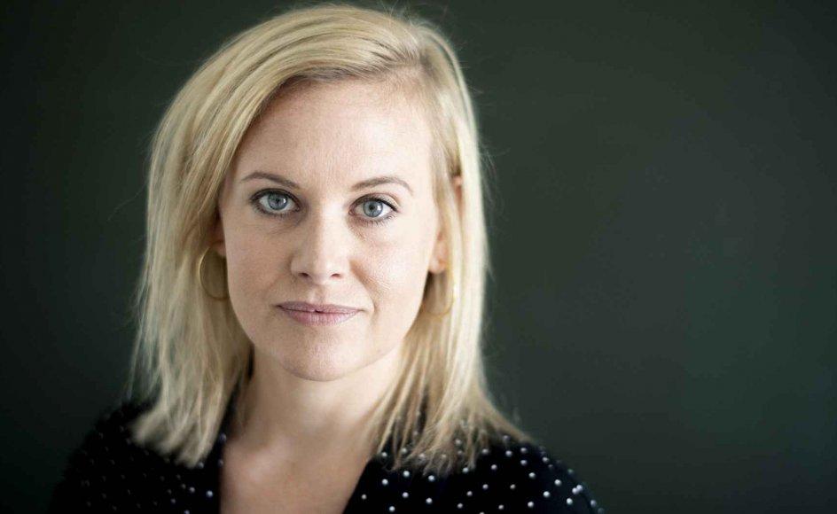 Forfatter Stine Buje lavede en playliste med sin mors yndlingssange, så de derigennem fik talt om, at en af dem skulle spilles til moderens bisættelse. – Foto: Iben Gad.