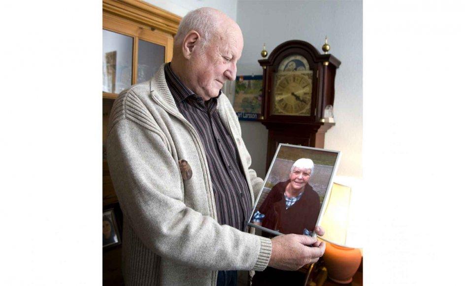 I 1998 døde jørgen Larsens søn ved en ulykke, og sorgen sad i ham længe efter. Da han i 2014 mistede sin hustru Ruth, havde parret nået at tale om mange ting, og i dag tøver han ikke med at opfordre andre til at gøre det samme