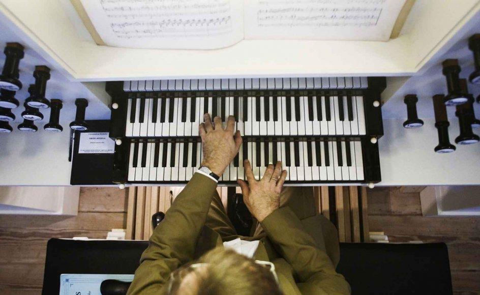 """""""Pasta, piber og pedaler"""" er en bog fyldt med orgelmusik til børn. Udgivelsen blev fejret og markeret med en konkurrence mellem dens 40 kompositioner i Brøndby Strand Kirke. Arkivfoto."""