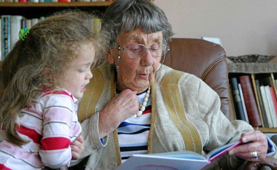 At fortælle sin livshistorie kan være en øjenåbner for både bedsteforælderen og barnebarnet.