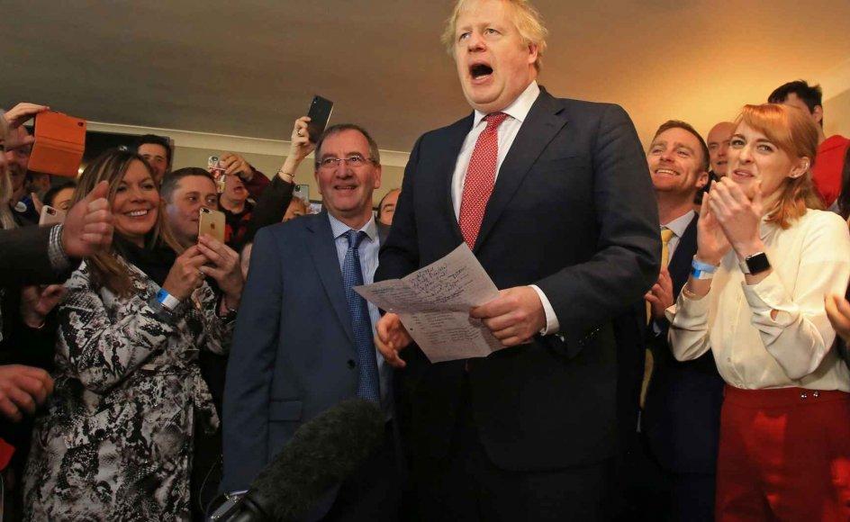 Den britiske premierminister, Boris Johnson, taler lørdag til tilhængere i valgkredsen Sedgefield i det nordøstlige England. Det var en af de kredse, som Labour tabte ved valget torsdag. Labours tidligere premierminister Tony Blair var valgt i denne valgkreds.