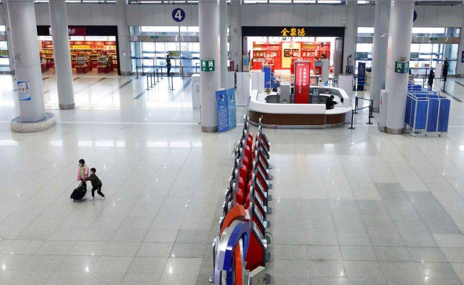 I flere lande er flytrafikken blevet indstillet for at undgå spredning af coronavirus. Her er det lufthavnen i Beijing.