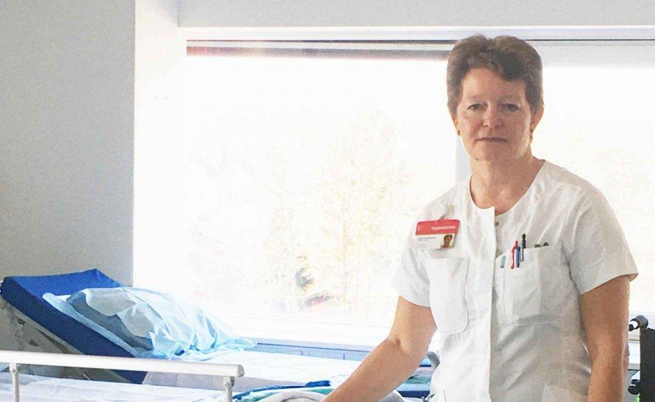 Susanne Dansholm har været sygeplejerske i 32 år. Hun har prøvet at organisere nødberedskaber under de store sygeplejerskestrejker, men hun har aldrig prøvet at arbejde under en stor epidemi. Her ses hun på coronaafsnittet på Herlev Hospital. – Privatfoto.
