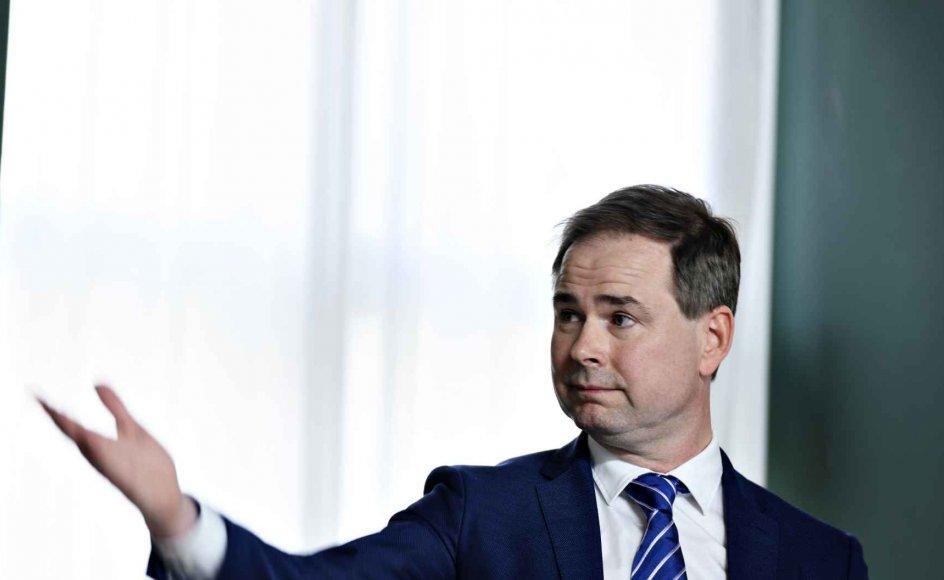 Finansminister Nicolai Wammen (S) går mandag ind til en historisk omfattende aftale med kommuner og regioner om økonomien for 2021.