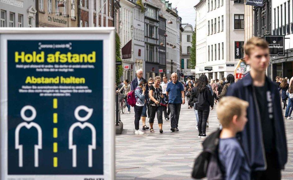 Danskerne er måske blevet en anelse for uforsigtige med forholdsregler for coronasmitte.