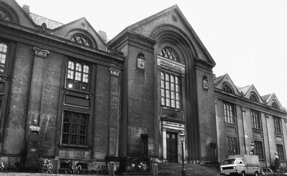 Universitetet i København forblev efter sin oprettelse i 1479 længe rigets eneste. Nordmænd og islændinge måtte til København, hvis de ville have en akademisk uddannelse.